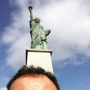 Hey Newyork in Paris ! statueofliberty paris newyork music photographerhellip